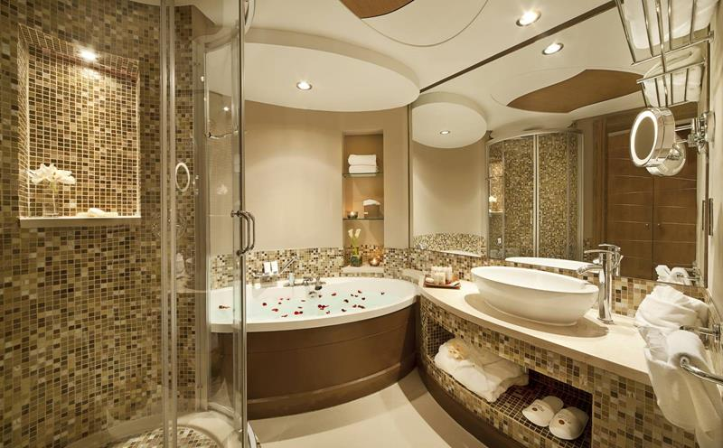 28-Stunningly-Luxurious-Bathroom-Designs-title